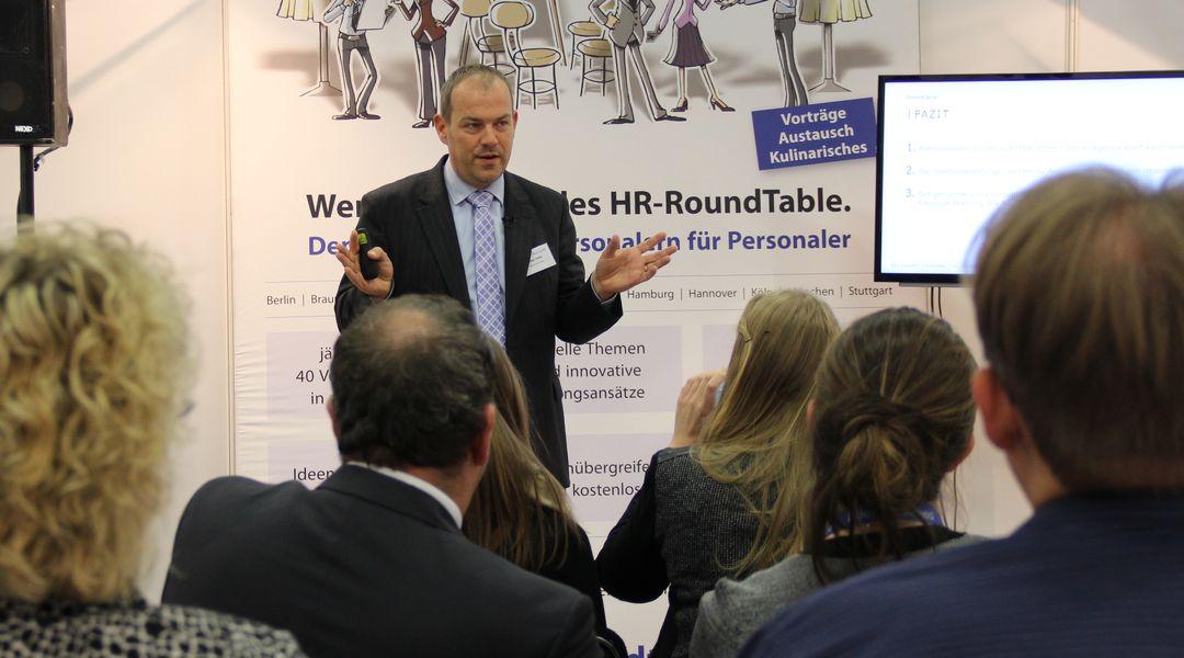 Betriebsrenten im Umfeld der Niedrigzinsen - HR RoundTable - PensionCapital GmbH
