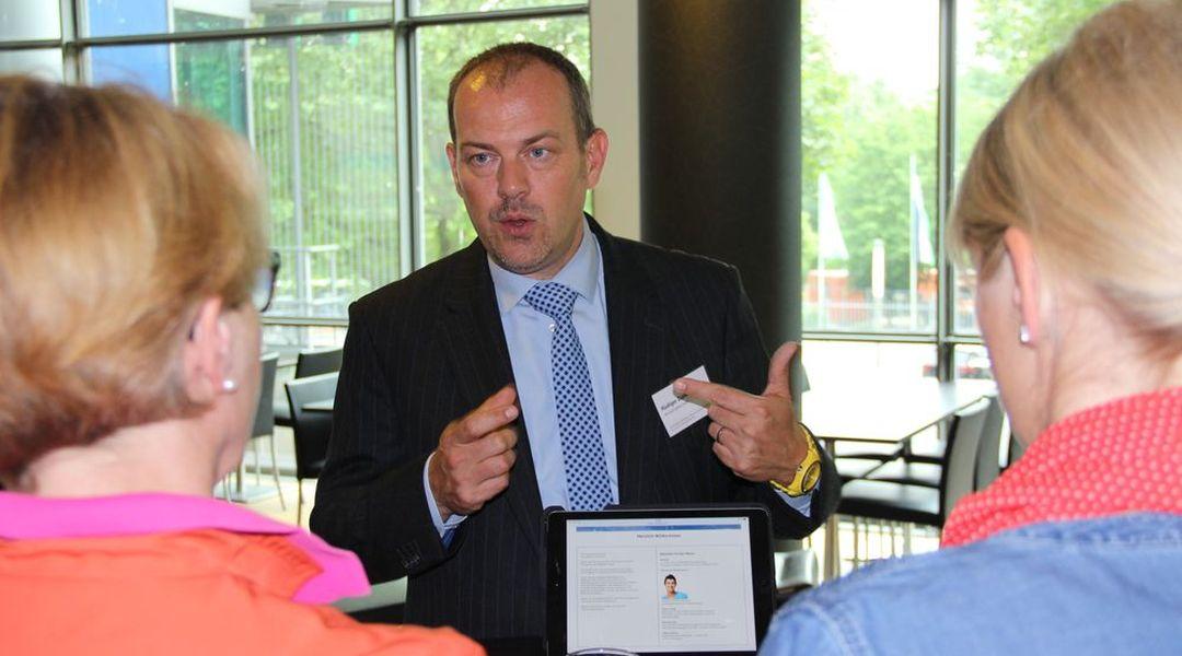 Rüdiger Zielke im Knowledge-Cafe über Zusatzleistungen - HDI-Arena Hannover Juni 2016